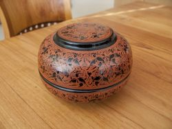 Burmese Lacquer Ware Food Box (black-red)